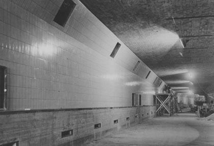 Finishing works on the tunnel interior