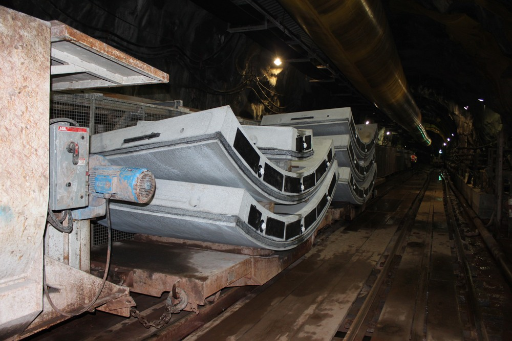 Six tunnel segments, which form a ring and 1.8m of progress, on a flat car for a ride to the tunnel heading