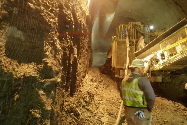 Excavating the Euclid Creek starter tunnel