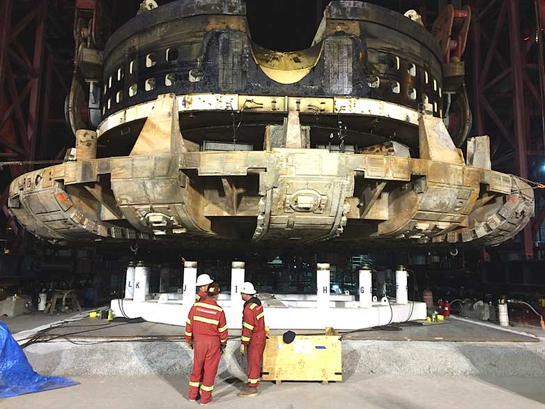 TBM Bertha's giant cutterhead and drive unit on the repair platform (31 March, 4.30pm)