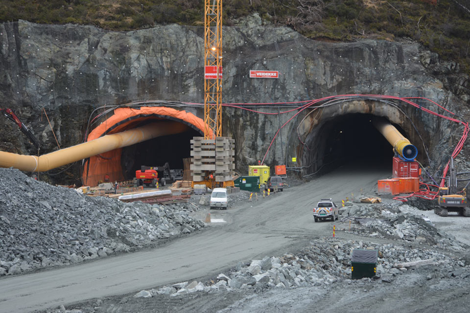 Main road tunnelling at Skogafjell Tunnel