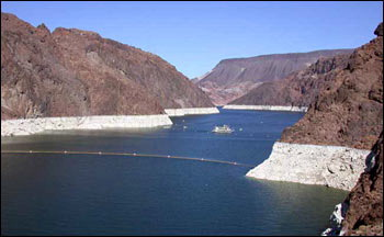p1-Falling water levels in Lake Mead